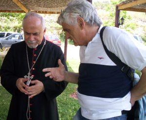 L'auteur avec Mgr Casmoussa au Liban